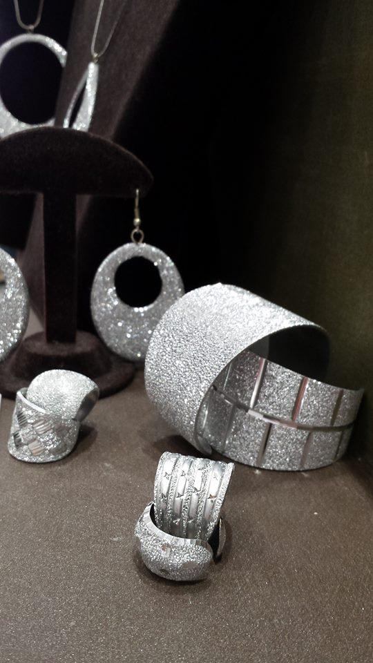 anelli orecchini bracciali shadi