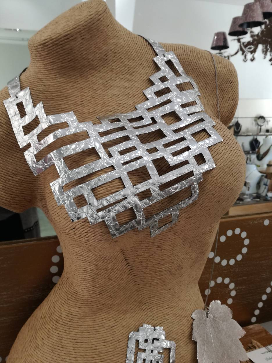 collana weave